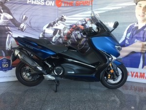 Yamaha T-MAX DX