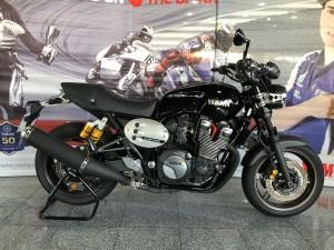 Yamaha XJR 1300 Serviço